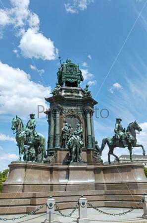 Памятник Марии Терезе в Вене, Австрия