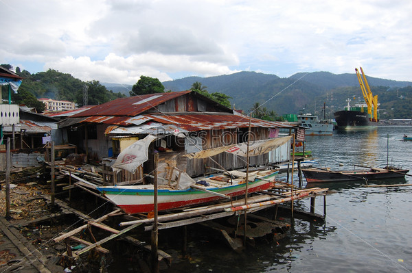 Деревня на побережье моря