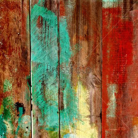 Сгоревший старый деревянный забор