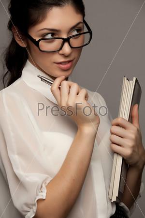 Фотография на тему Задумчивая бизнес-леди