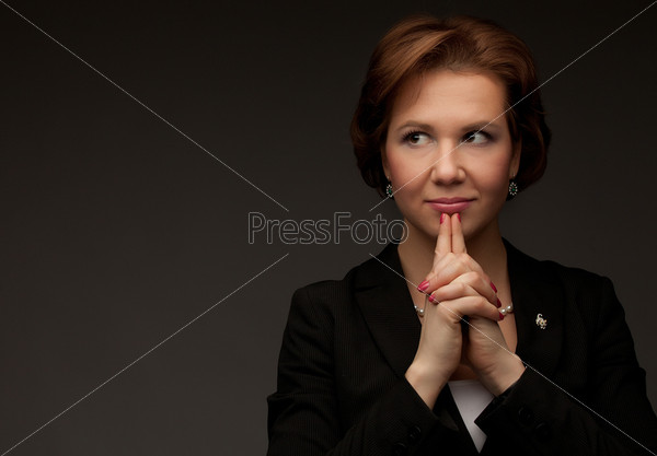Улыбающаяся деловая женщина