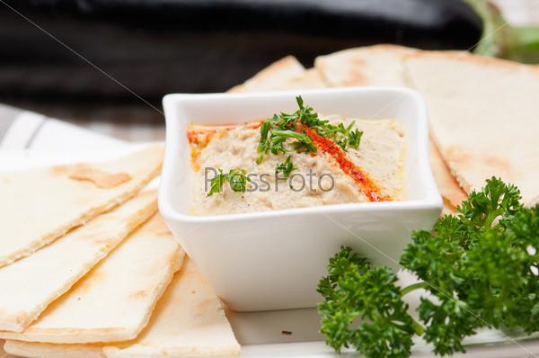 Баба гануш с баклажановым соусом