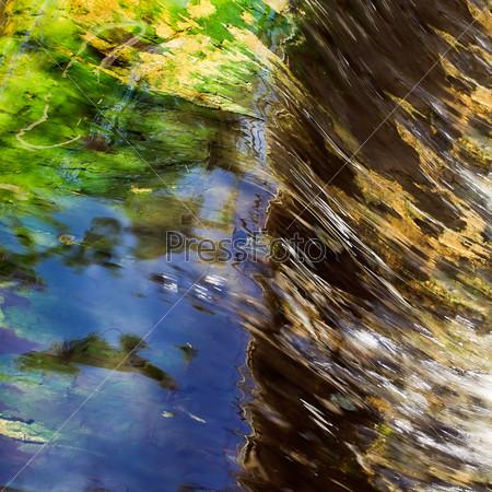 Абстрактный фон, движение воды