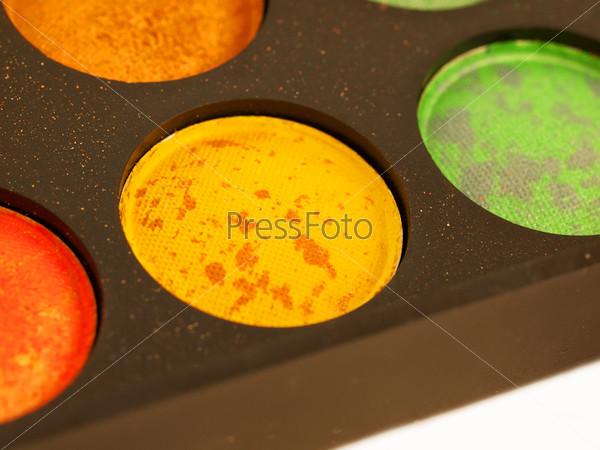 Фотография на тему Набор разноцветных профессиональных теней, макро