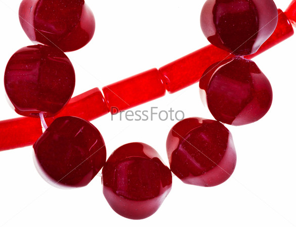 Красные нефритовые бусы