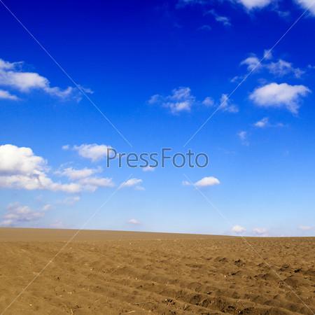 Вспаханное поле