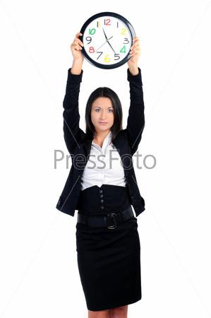 Портрет деловой женщины с часами на белом фоне