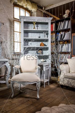 Фотография на тему Роскошный интерьер старинной гостиной