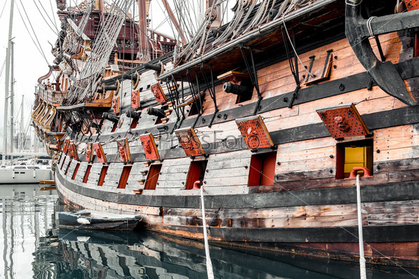 Корабль Галеон Нептун