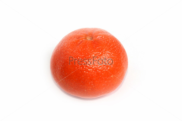 Спелый сочный мандарин как элемент тропической флоры