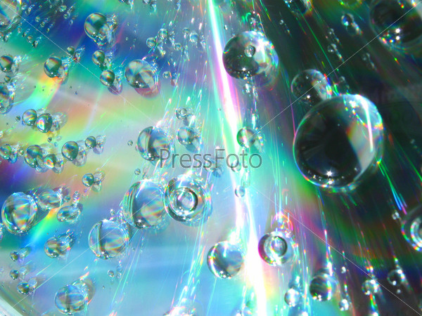Капли воды на компакт-диске