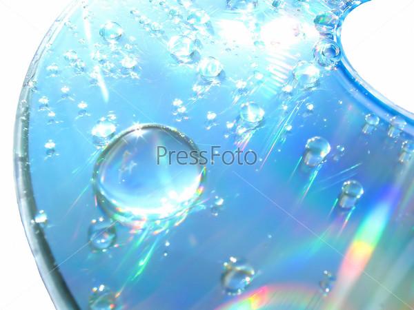 Фотография на тему Капли воды на компакт-диске
