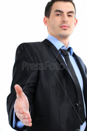 Деловой мужчина протягивает руку для рукопожатия