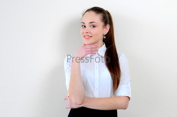 Портрет девушки в офисе