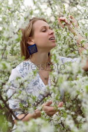 Фотография на тему Красивая молодая блондинка