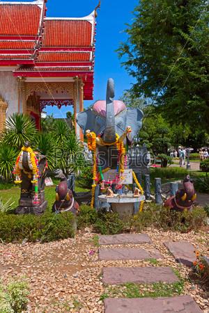 Парк буддийского храма