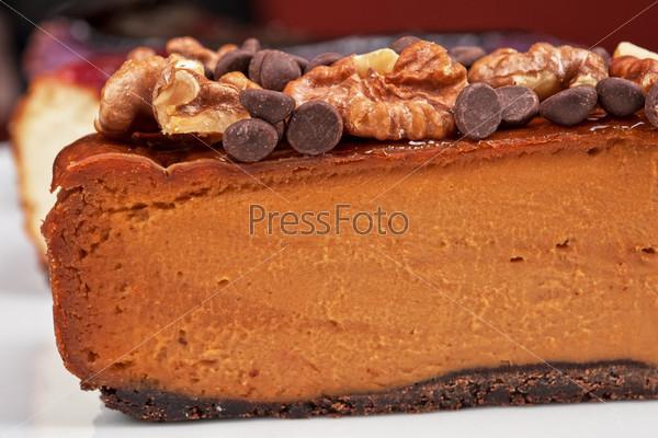 Фотография на тему Чизкейк с шоколадом и орехами