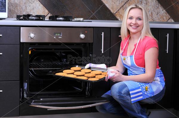 Фотография на тему Женщина с печеньем