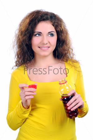Фотография на тему Девушка пьет сок