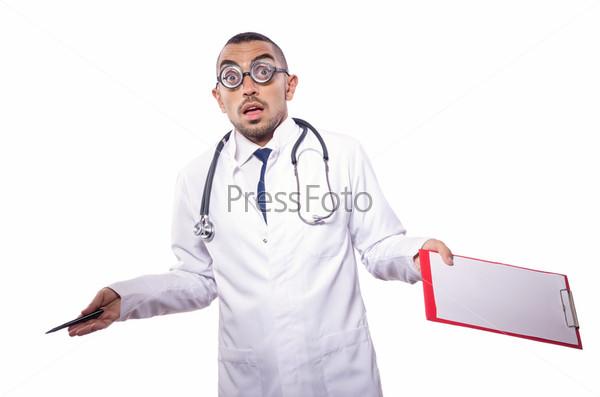 Забавный врач, изолированный на белом фоне