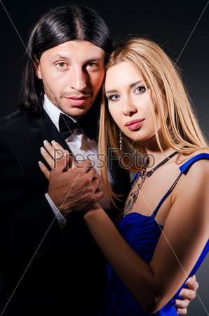 Фотография на тему Влюбленный мужчина и женщина