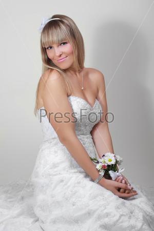 Фотография на тему Портрет счастливой невесты с букетом