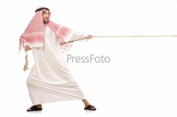 Фотография на тему Араб занимается перетягиванием каната
