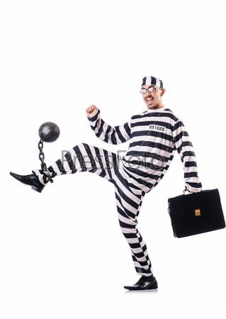 Осужденный преступник в полосатой форме