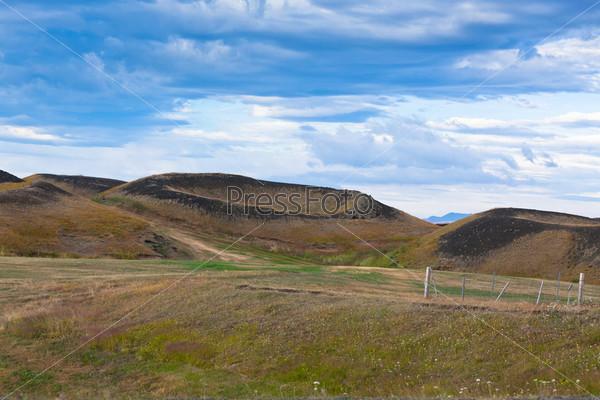Фотография на тему Псевдо кратеры на озере Миватн, Исландия