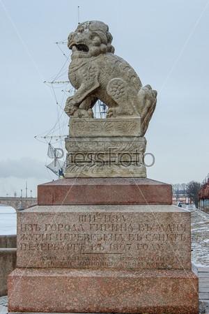 """Фотография на тему Китайские львы """"ши-цза"""" на Петровской набережной"""