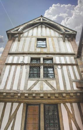 Фотография на тему Дом во дворе аббатства Мон Сен-Мишель. Нормандия, Франция
