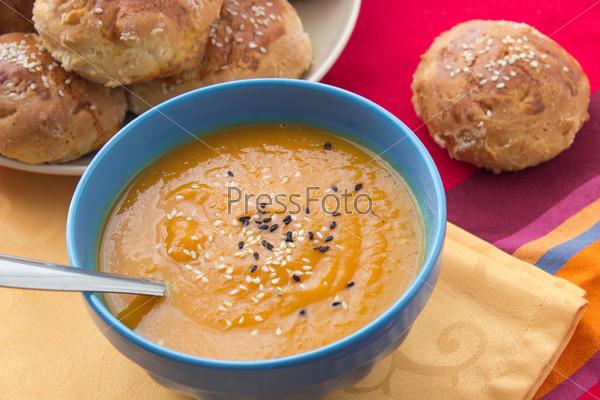 Суп-пюре из тыквы с кунжутом