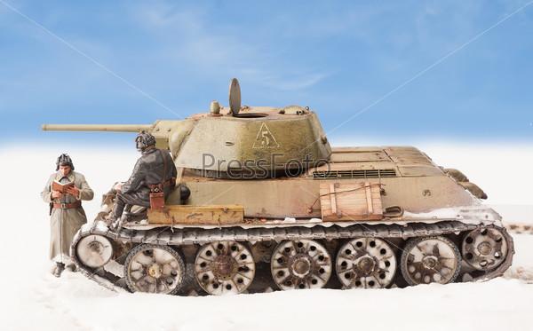 Диорама с старым советским тенком Т-34