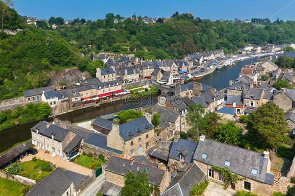 Динан. Кот-д'Армор, Бретань, Франция. Древний город на реке