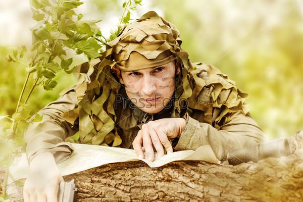 Военный в камуфляже