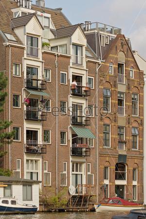 Амстердам. Дома на канале
