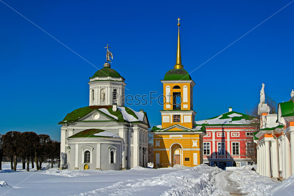 Кусково. Церковь Спаса Нерукотворного и колокольня