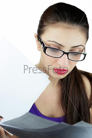 Фотография на тему Девушка с документами