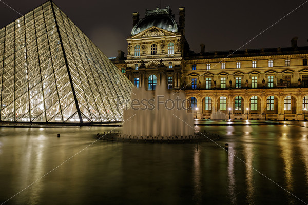 Пирамида Лувра и Павильон Ришелье