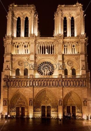 Фотография на тему Собор Парижской Богоматери