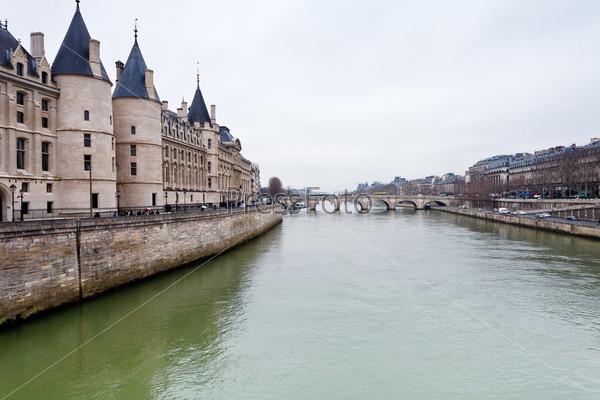 Дворец Консьержери в Париже
