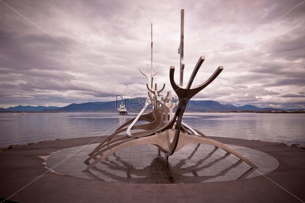 Памятник Солфар в Рейкьявике, Исландия