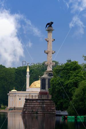Фотография на тему Павильон «Турецкая баня» и Чесменская колонна
