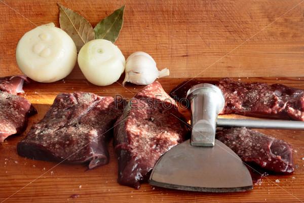 Фотография на тему Говяжья печень и отбивной молоток