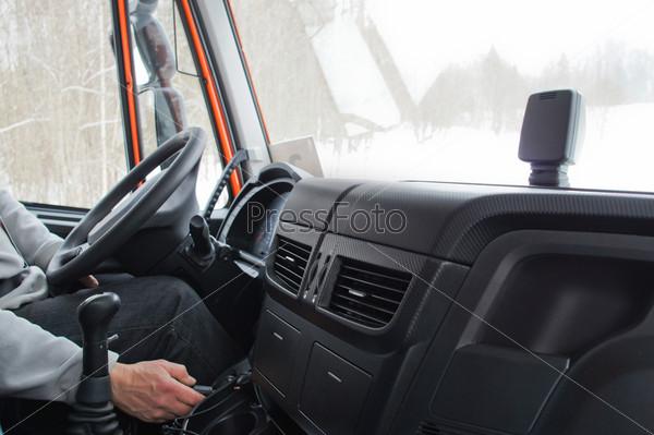 Кабина грузовика