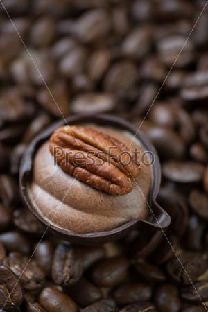 Птифур на поджаренных кофейных зернах