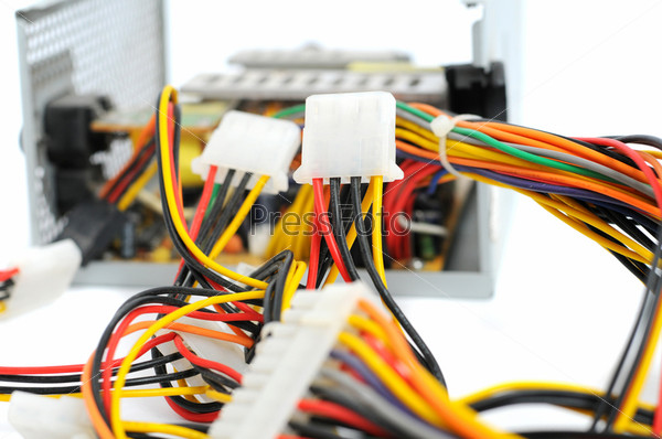 Фотография на тему Цветные компьютерные провода