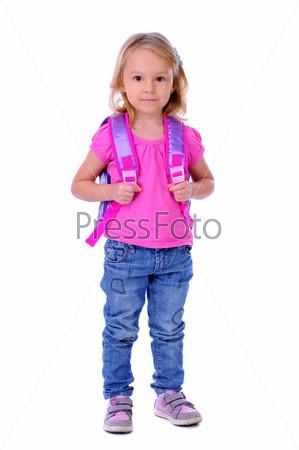 Школьница с сумкой на белом фоне