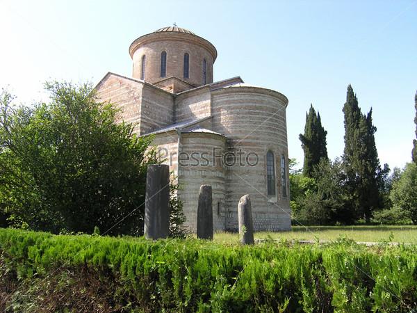 Патриарший собор в Пицунде в честь Апостола Андрея Первозванного X век, Абхазия
