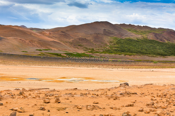 Намафьял, геотермальная зона с полями серы в Исландии